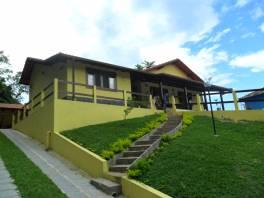 Ótima casa Residencial situada em condomínio nobre